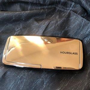 Hourglass Makeup - Hourglass Lighting Blush Palette